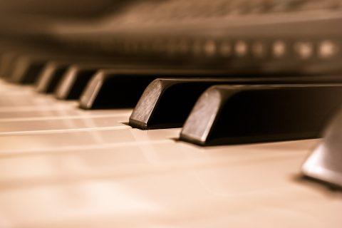 כמה זמן לוקח ללמוד פסנתר?