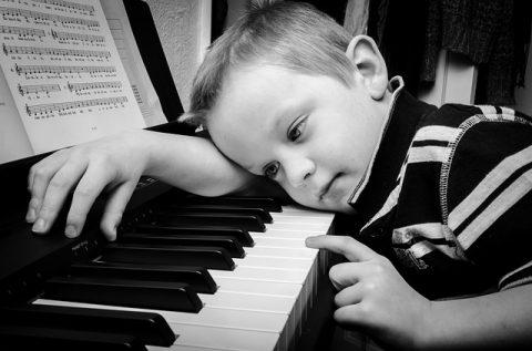 באיזה גיל כדאי להתחיל לנגן פסנתר?